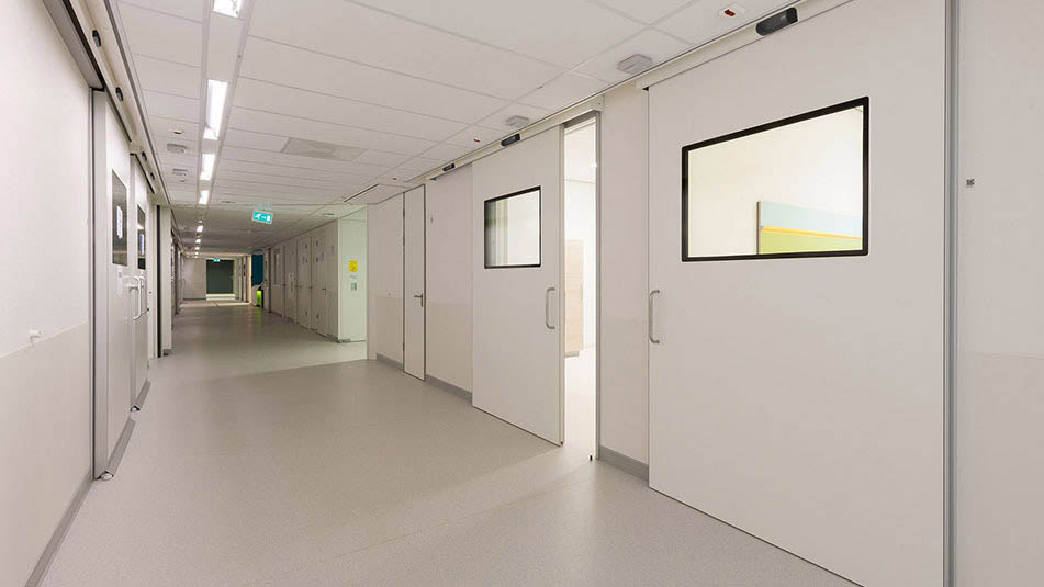 KONE hermetic doors are available with both manual and automatic operation.